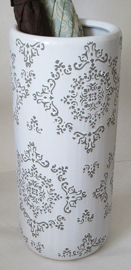 White umbrella stand