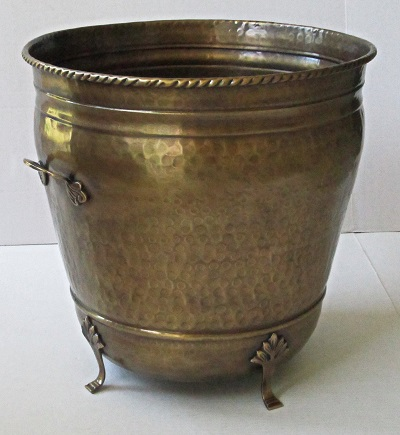 Brass planter footed